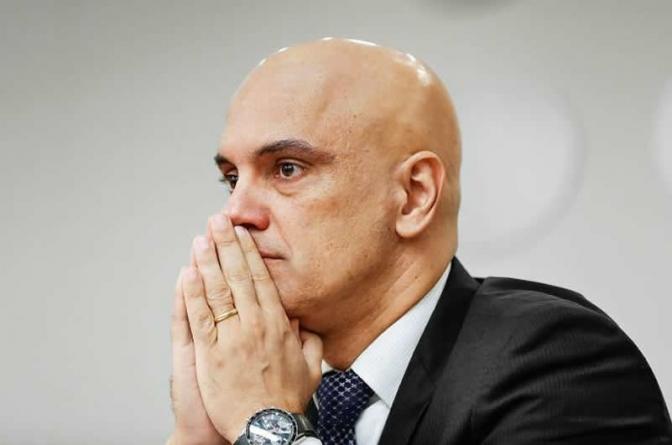 Após decisão de Moraes, governo desiste de nomear Ramagem e procura outro diretor para a PF
