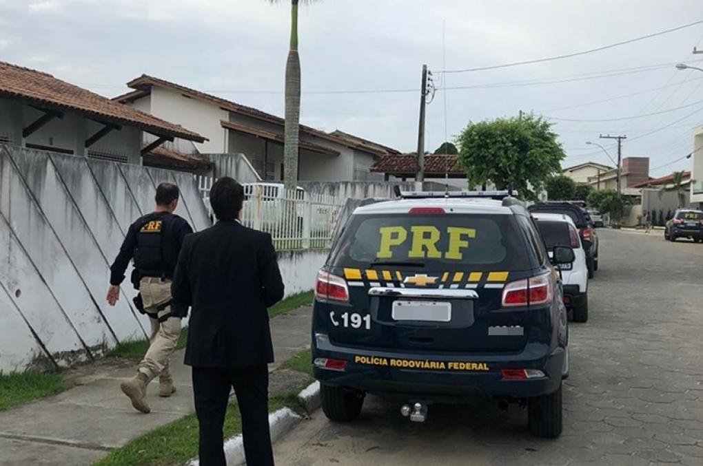 Presidente do STF suspende regras para atuação da PRF em operações próprias da PF