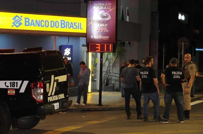 """Delegado sobre ataque em Criciúma: """"O maior roubo já registrado no estado"""""""