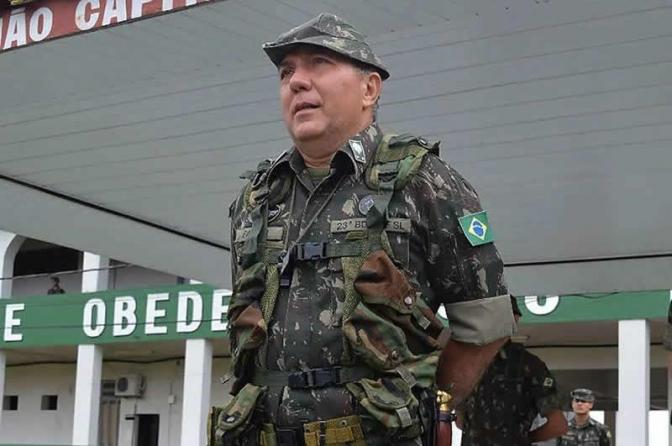 Generalsem função públicaliberou compra de mais munição