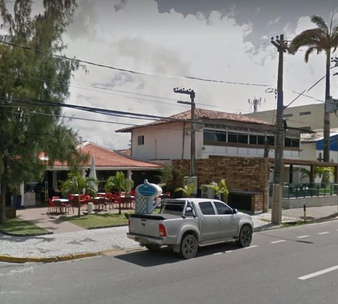 Delegado é ferido pela própria arma em restaurante no Grande Recife