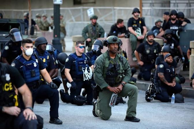 O fim da polícia? O que americanos querem dizer com 'defunding'