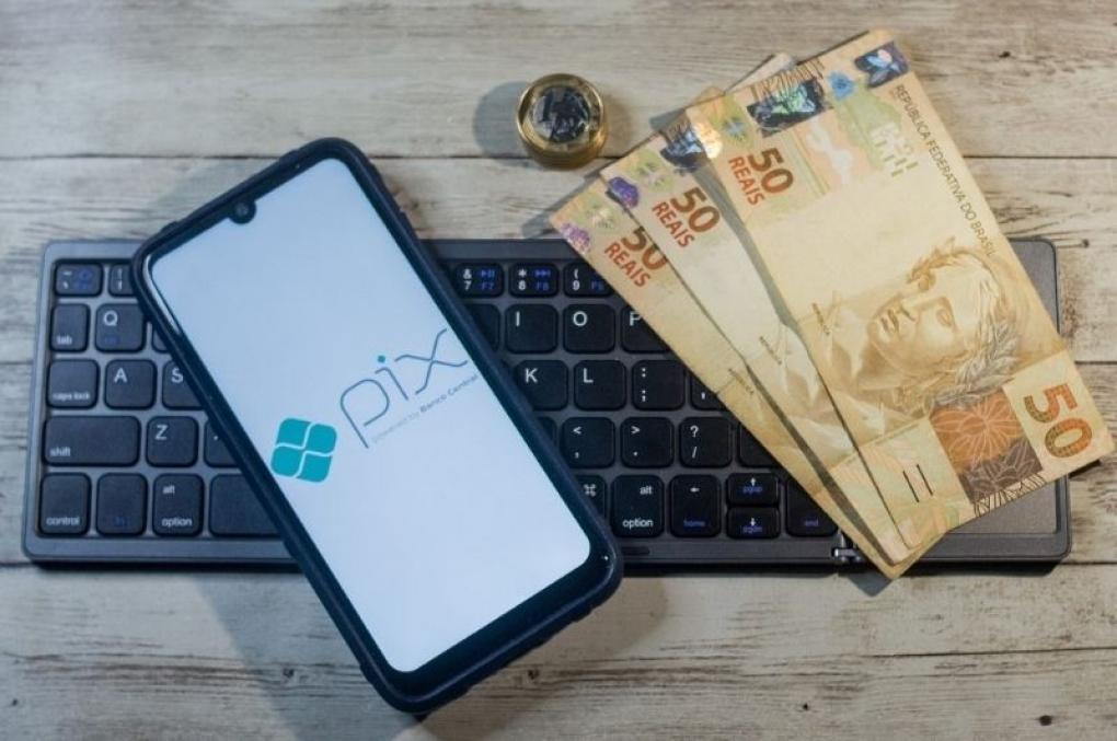 PIX: Começa a valer hoje limite de R$ 1 mil para transferências à noite