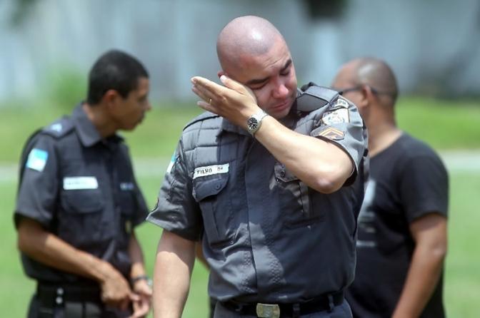 O desprezo da sociedade com a polícia