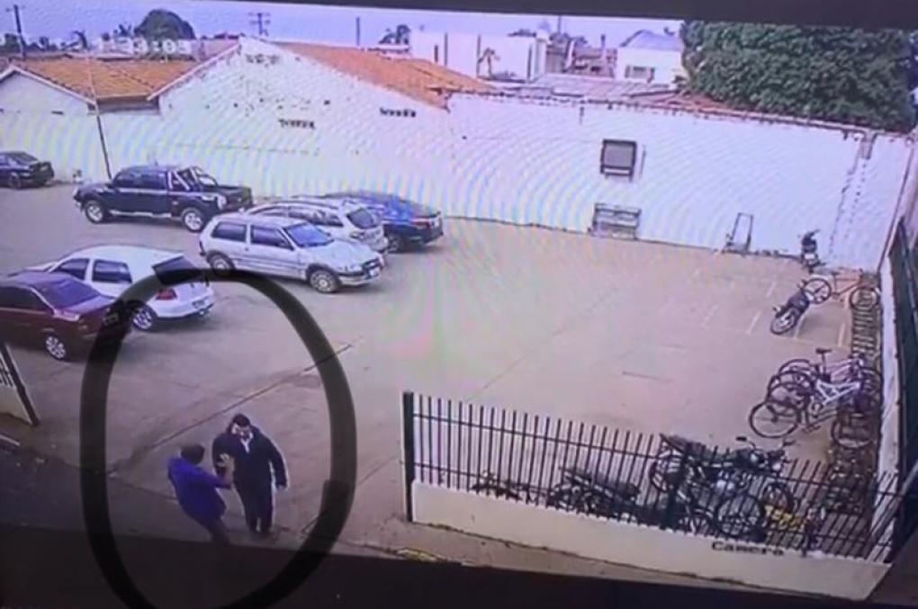 Flanelinha tenta extorquir delegado e é preso: 'Vaza ou então vou riscar seu carro'