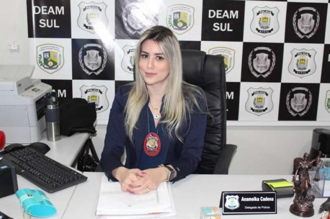 Delegada Anamelka confirma convite para desfilar em escola de samba do Rio