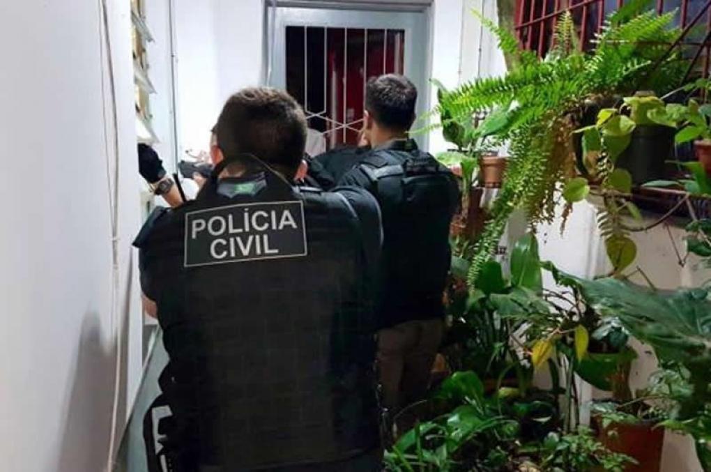 Entrada legal de policial em imóvel; sem mandado e sem flagrante, nos moldes da Lei de Abuso de Autoridade