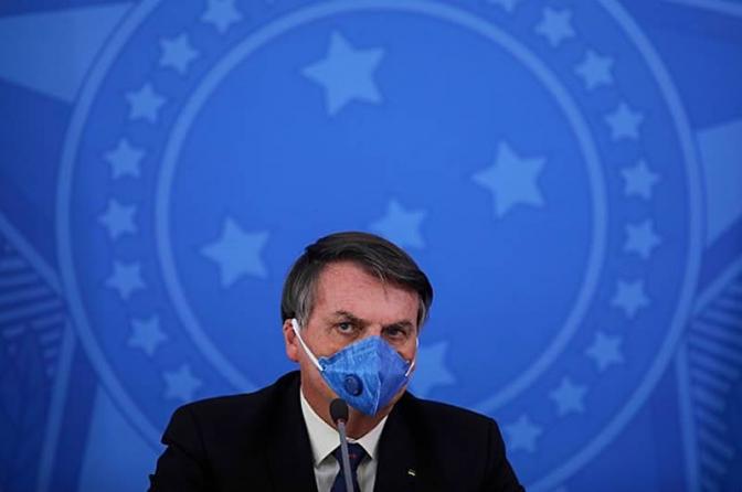 Delegados pedem a Bolsonaro 'distância republicana' da PF