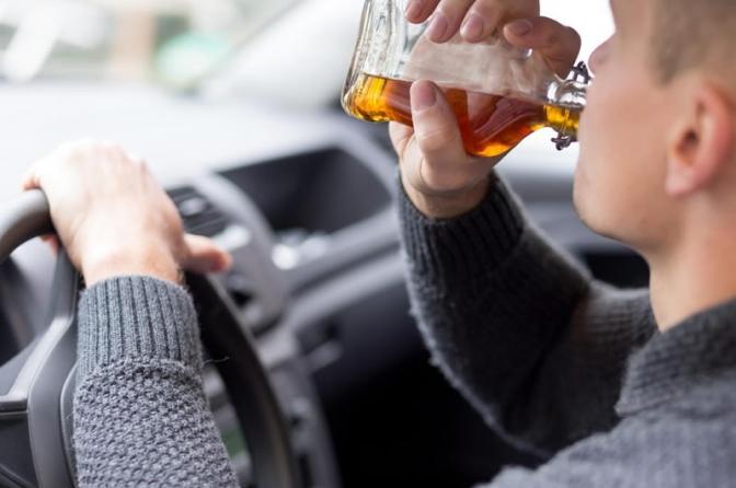 Motorista que ingere bebida alcóolica pode não ser preso, mesmo com o bafômetro!