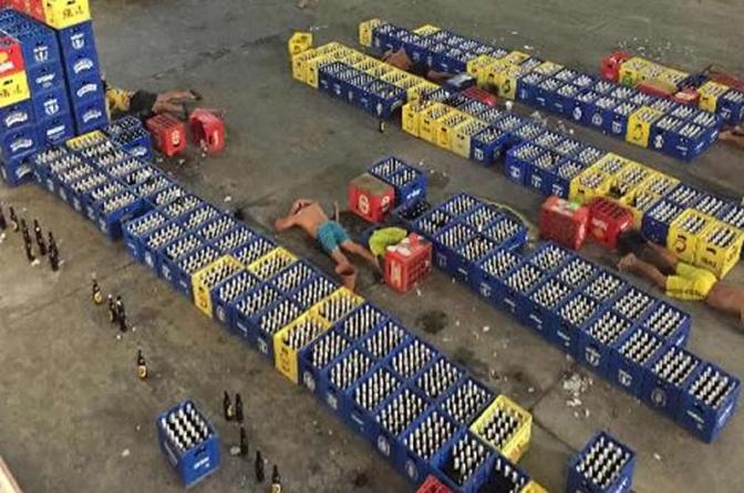 """Policiais do RJ estouram fábrica clandestina de cerveja e resgatam funcionários em """"trabalho escravo"""""""