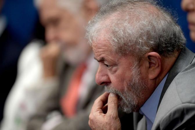 Lula desdenha da Justiça, não se entrega e ainda vai à missa no sábado