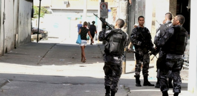 Ministro rejeita pedido para impedir operações policiais em comunidades do Rio