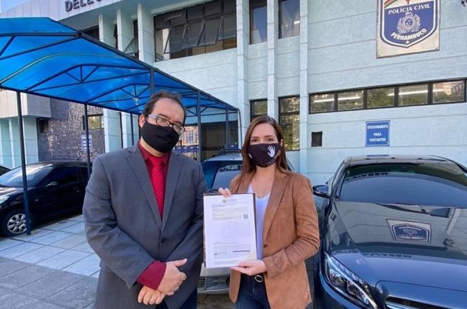 Delegada Patrícia Domingos procura delegacia após ser vítima de fake news