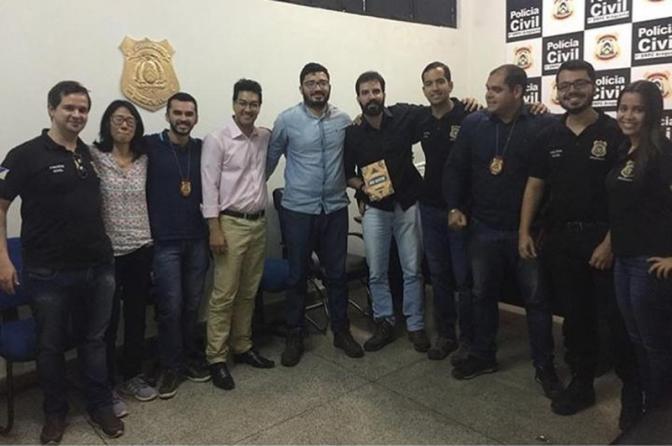 Colegas fizeram festa de despedida antes de delegado morrer em acidente