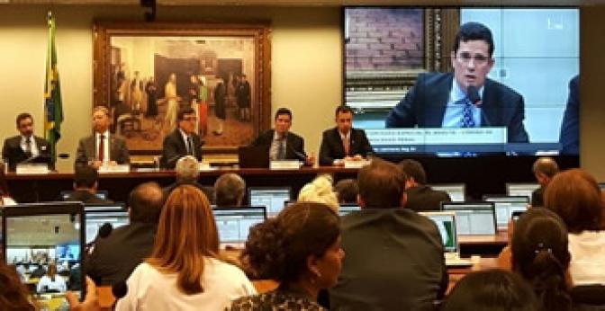 Moro defendeu 'salvaguarda' para juízes em projeto sobre abuso de autoridade