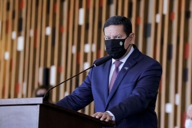 Mourão elogia delegado que criticou Salles e diz que madeireiras precisam apresentar documentos