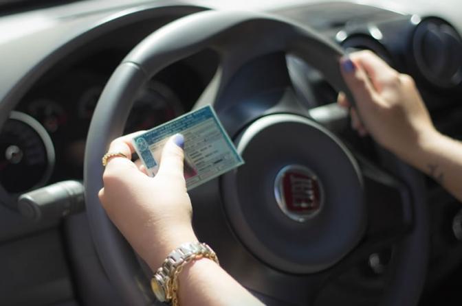 STJ autoriza recolhimento de CNH para pressionar réu inadimplente a pagar débitos