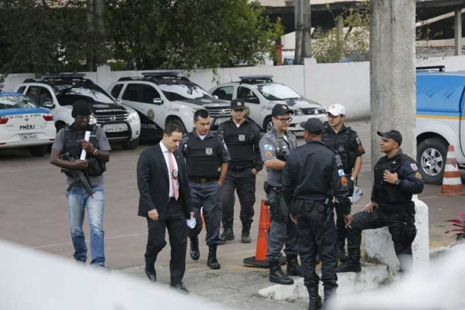 Maior operação contra a corrupção policial no RJ prende 59 PMs