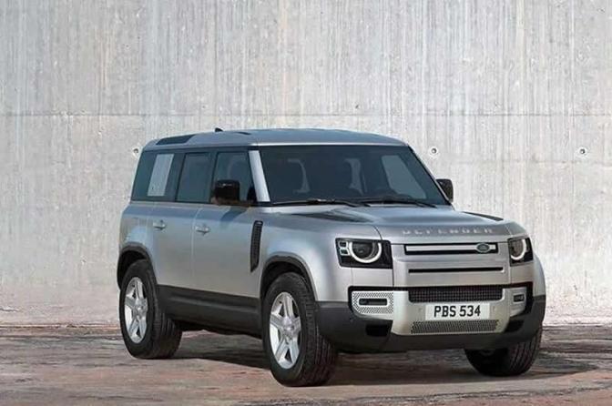 Land Rover de meio milhão é furtada de concessionária na hora do almoço