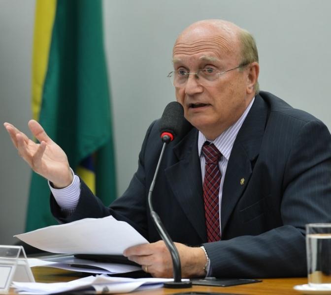 'Não vou mexer em nada', diz Serraglio sobre comando da Polícia Federal