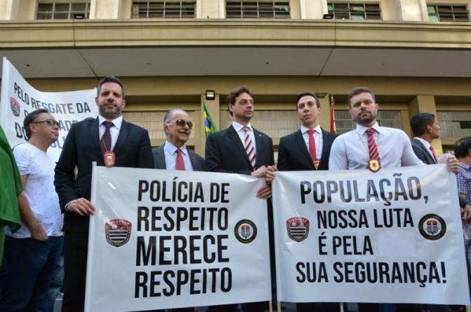 10 mil policiais de São Paulo se unem contra reajuste pífio de 5%