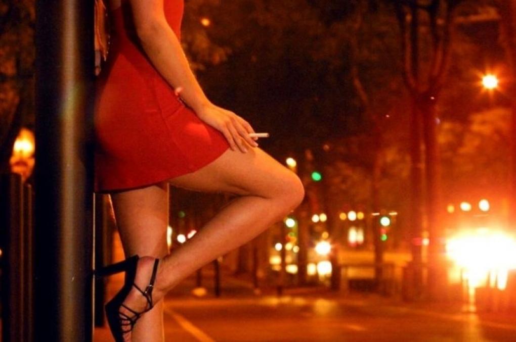 Prostitutas suspendem serviço e pedem prioridade na vacinação