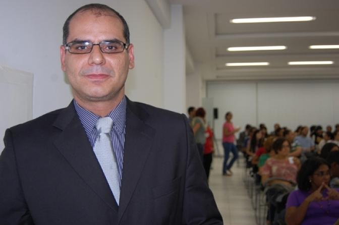Delegado gay e ativista vira referência no combate à homofobia